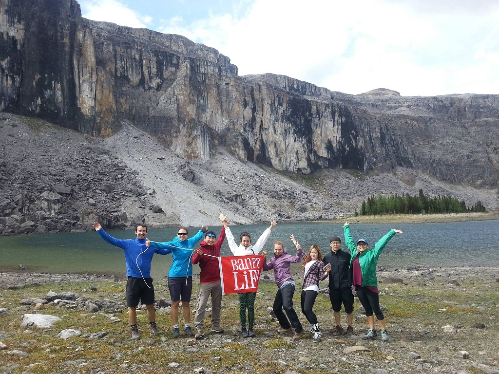 BanffLIFE hike group